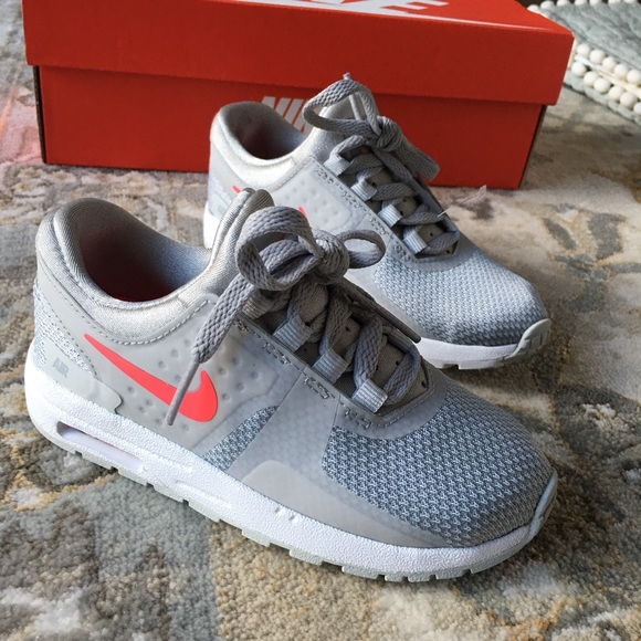 buy popular 982e4 7d282 Nike Air Max Zero Essential TD - Size 10c